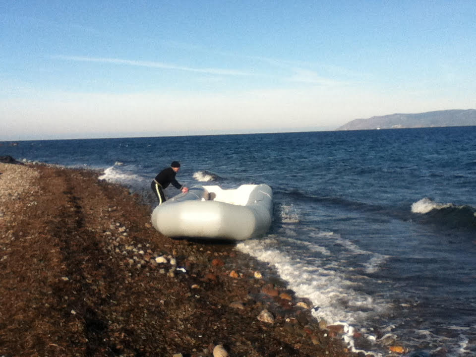 Rubber rafts are one type of boat refugees come across on.
